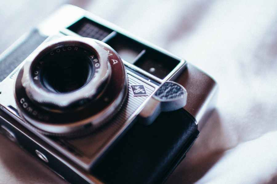 close up photo of camera